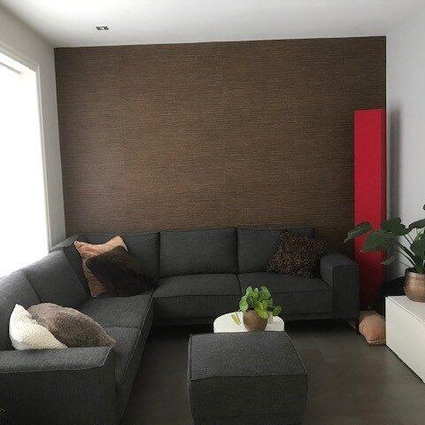 Nieuw behang in de woonkamer en keuken